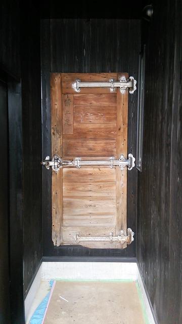 氷室用の扉1.jpg